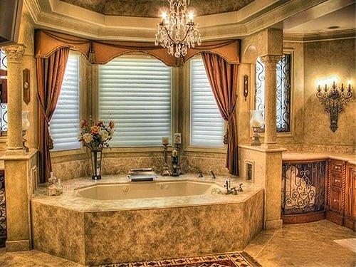 Романский интерьер ванной