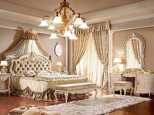 Римский интерьер спальни